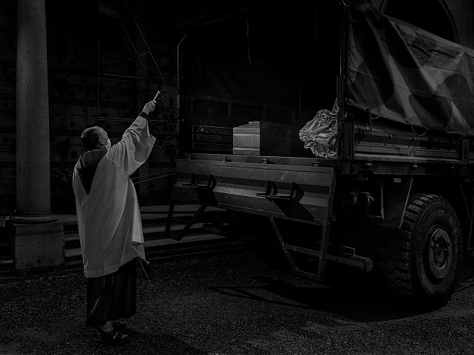 Alex Majoli, dalla serie Covid on Scene. © Alex Majoli/Magnum Photos.