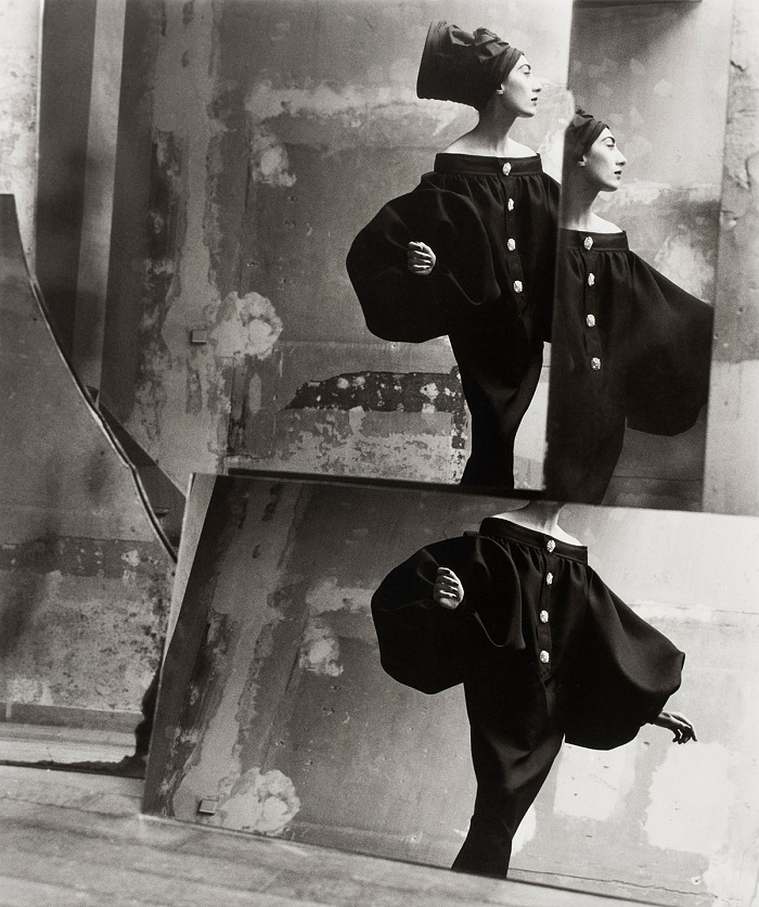 David Seidner, Ahn Duong wearing Jean Patou, 1986. © International Center of Photography, David Seidner Archive / Courtesy Galleria Carla Sozzani, Milano