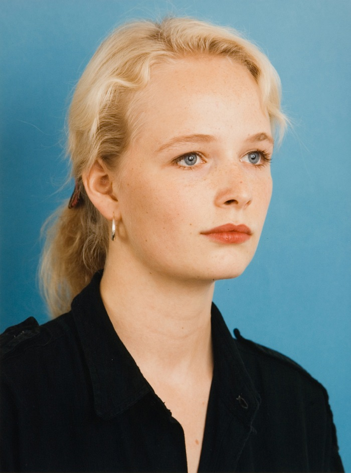 Thomas Ruff (1958), Portrait, 1985. 27,9x22 cm. Courtesy Galleria civica di Modena