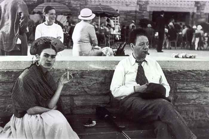 Lucienne Bloch, Frida with the ice cream cone, Jones Beach, NY, 1933. © Lucienne Bloch