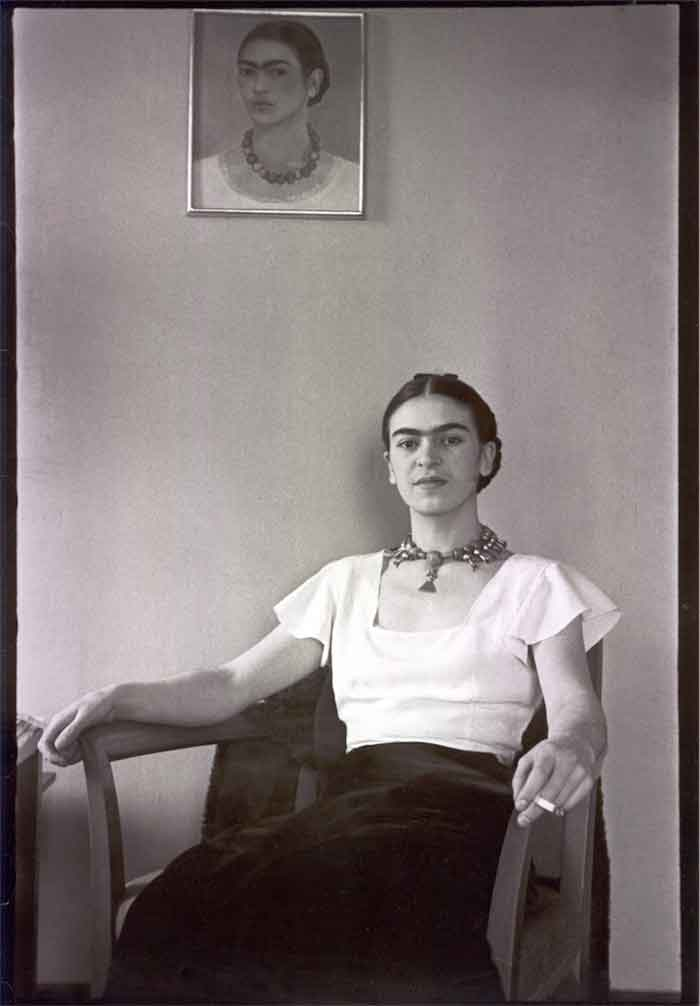 Lucienne Bloch, Frida at the Barbizaon Plaza Hotel, New York City, NY, 1933. © Lucienne Bloch