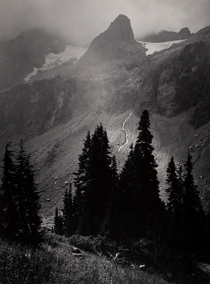 Ansel Adams, Mt. Goode From North, North Cascades National Park, Washington, 1958. Stampa alla gelatina d'argento, 32,5x24cm. © The Ansel Adams Publishing Rights Trust