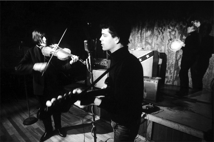 Adam Ritchie, John Cale, Lou Reed and Maureen Tucker at Cafè Bizarre, NY, 1965. © Adam Ritchie Photography, www.adam-ritchie-photography.co.uk