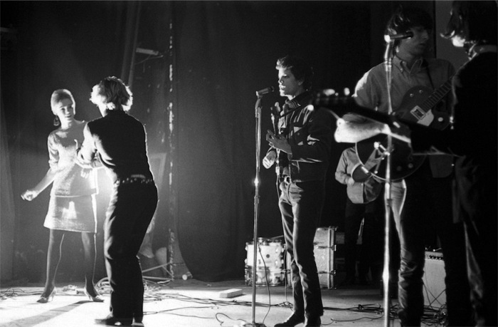 Adam Ritchie, Edie Sedgewick, Gerard Malanga dancing and Lou Reed, Maureen Tucker, Sterling Morrison and John Cale on bass, New York Film-makers' Cinematheque February 1966 . © Adam Ritchie Photography, www.adam-ritchie-photography.co.uk