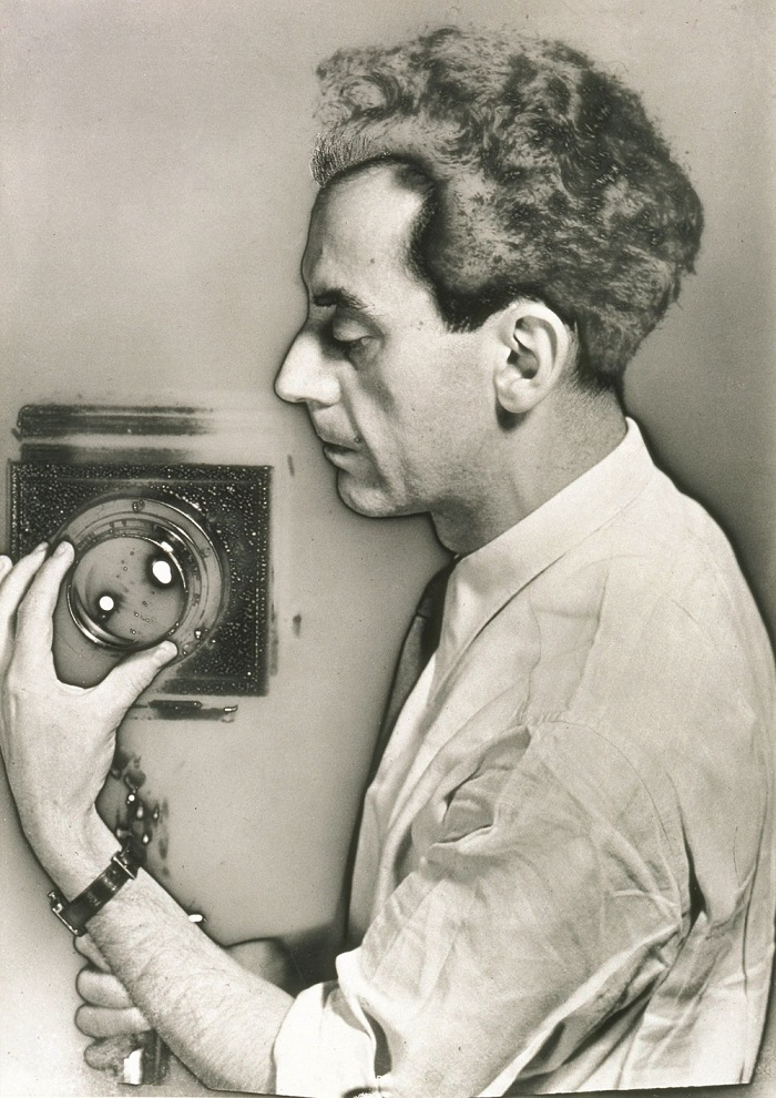 Man Ray, Autoportrait, 1931. Fotografia / photograph new print solarizzata, 1982. © Man Ray Trust by SIAE 2018