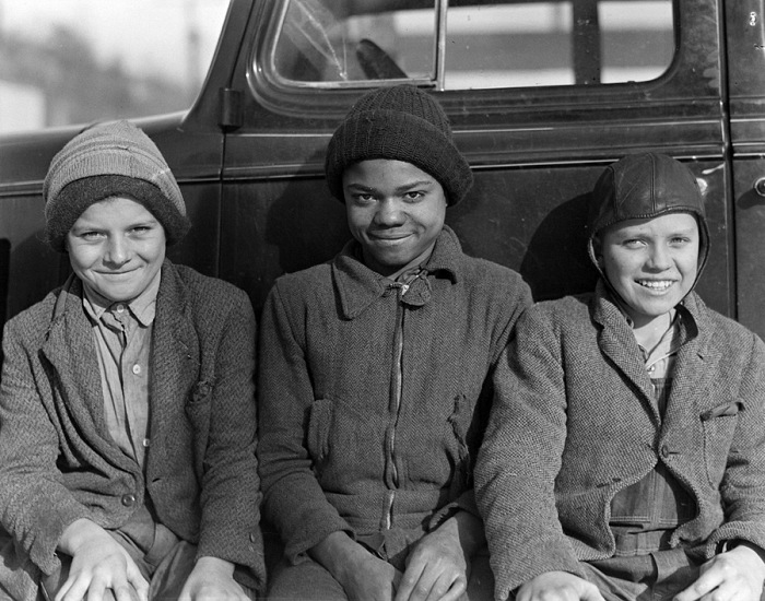 Lewis Hine, Figli di minatori. Scott's Run, West Virginia, U.S.A. 19 marzo 1937. © Lewis Hine. Courtesy NARA - National Archives and Records Administration