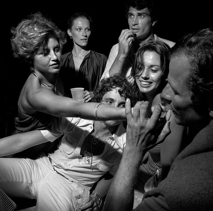 Larry Fink, Peter Beard and friends. © Larry Fink