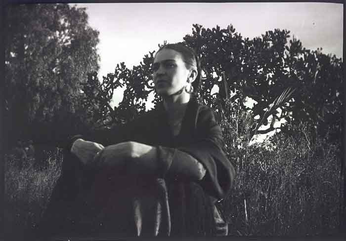 Lucienne Bloch, Frida by the cactus, Mexico, 1932. © Lucienne Bloch