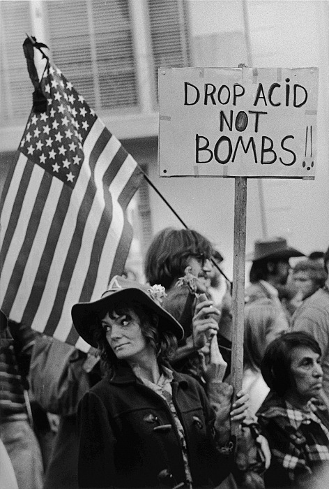 Robert Altman, Acid not Bombs. Anti War March. © Robert Altman