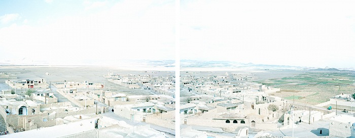 Walter Niedermayr, Nain, Iran, 59/2006. Diptych, each 84x104 cm. Installation 84x211 cm, framed, Digital Pigment Print on FineArt Pearl paper, edition 1/6. Courtesy Walter Niedermayr, Galerie Nordenhake Berlin/Stockholm and Galerie Johann Widauer, Innsbruck
