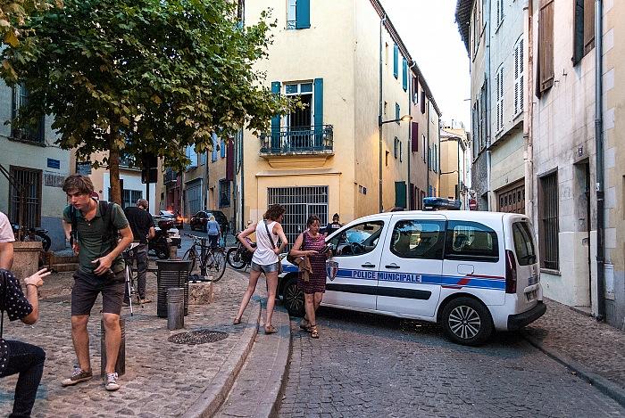 Perpignan, Visa pour l'Image 2016, blocco stradale serale in place de la Révolution Française. © FPmag.