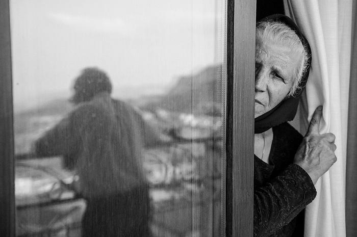 Pietro Basoccu, Angela dal volume Rosa Rosae. Affetti contemporanei, Soter Editrice. © Pietro Basoccu.