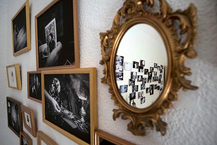 L'allestimento della mostra Nuits Blanches di Anna Bambou. Valeria Battaglia/FPmag.