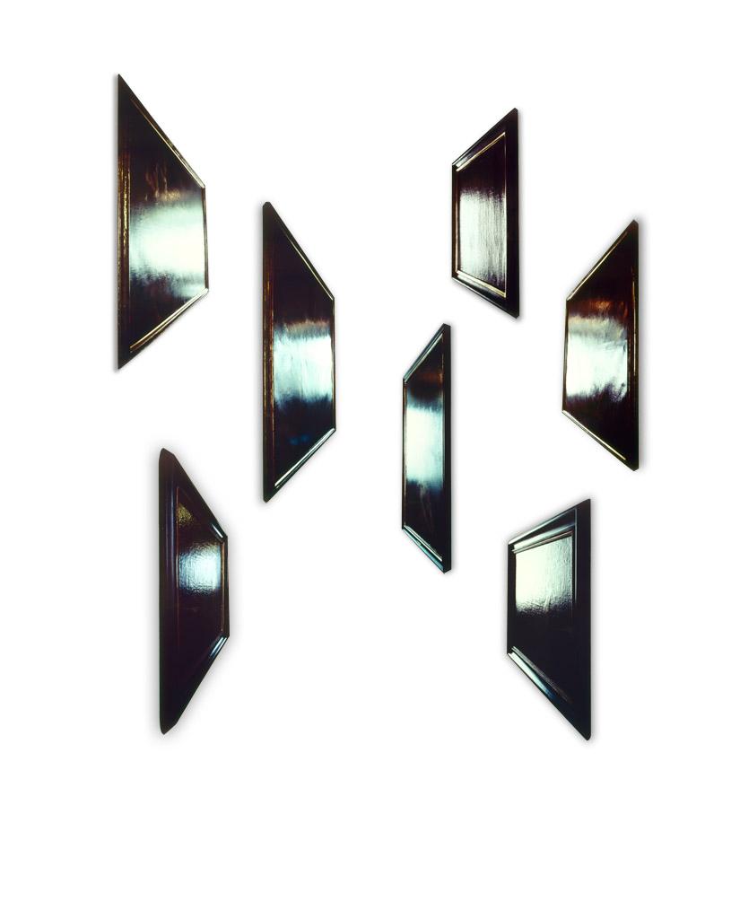 Silvio Wolf, Muro d'Icone, Polittico, installazione in 7 parti, 1994, A) 117x36x4cm, B) 112x27x4cm, C) 116x28x4cm, D) 99x30x4cm , E) cm 100x20x4, F) cm 94x33x4, G) 82x26x4cm, Cibachrome, smalti, laminati espansi sagomati. © Silvio Wolf.