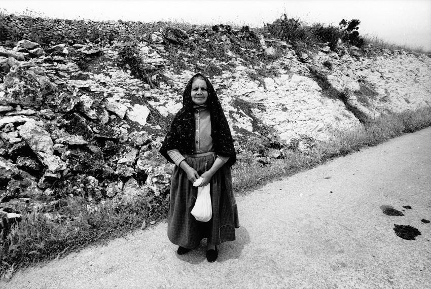 Guido Guidi, Sardegna, maggio 1974, stampa ai sali d'argento. © Guido Guidi.