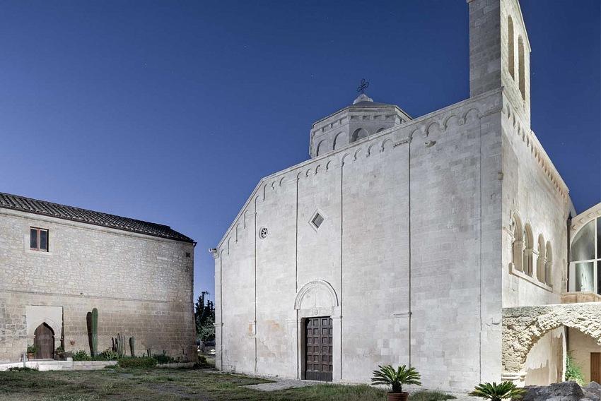 Cosmo Laera, Abbazia di San Leonardo, Manfredonia, 2019. © Cosmo Laera.