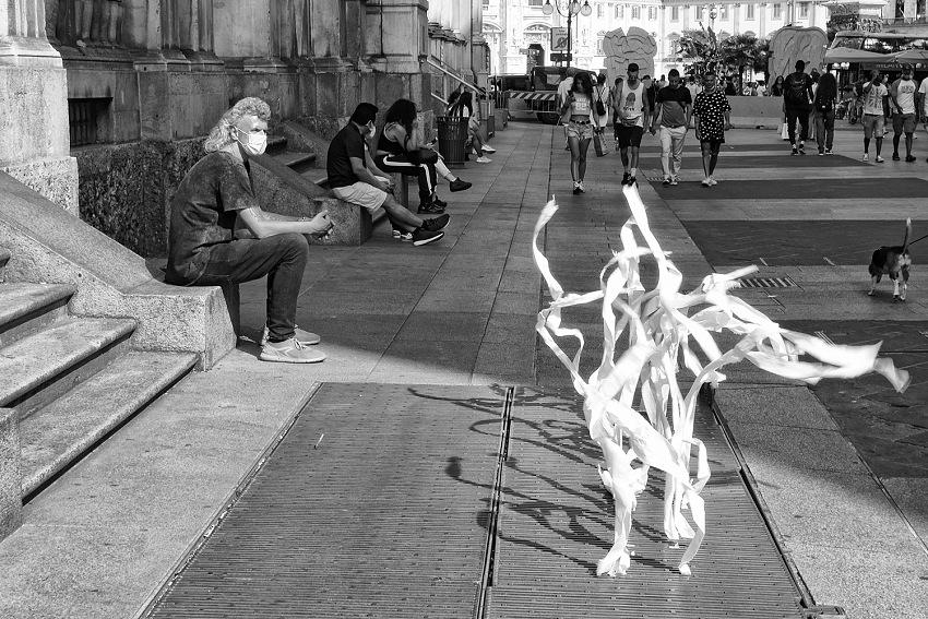 Gianni maffi, via orefici, 2020 dal libro milano 2010/2020).© gianni maffi.