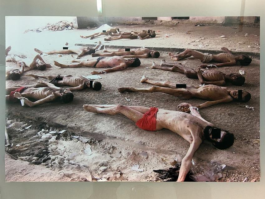 Dalla mostra Nome in codice: Caesar. Detenuti siriani vittime di tortura. © Mimmo Cacciuni Angelone.