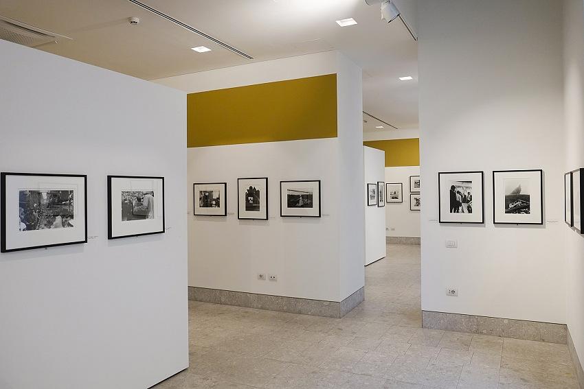 L'allestimento della mostra Gli Americani di Robert Frank presso le sale di Forma Meravigli a Milano. © Pio Tarantini.