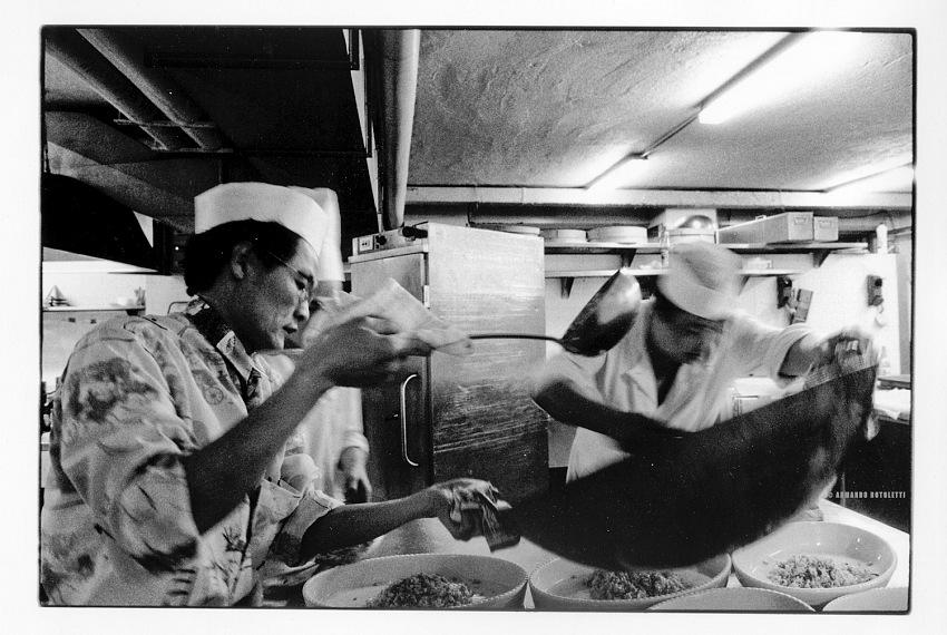 Armando Rotoletti, dal lavoro la comunità cinese a Milano. 1988-1992. © Armando Rotoletti.><br><span style=
