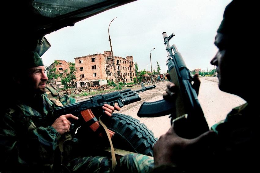 Livio Senigalliesi, Grozny, Cecenia, 2004. © Livio Senigalliesi.