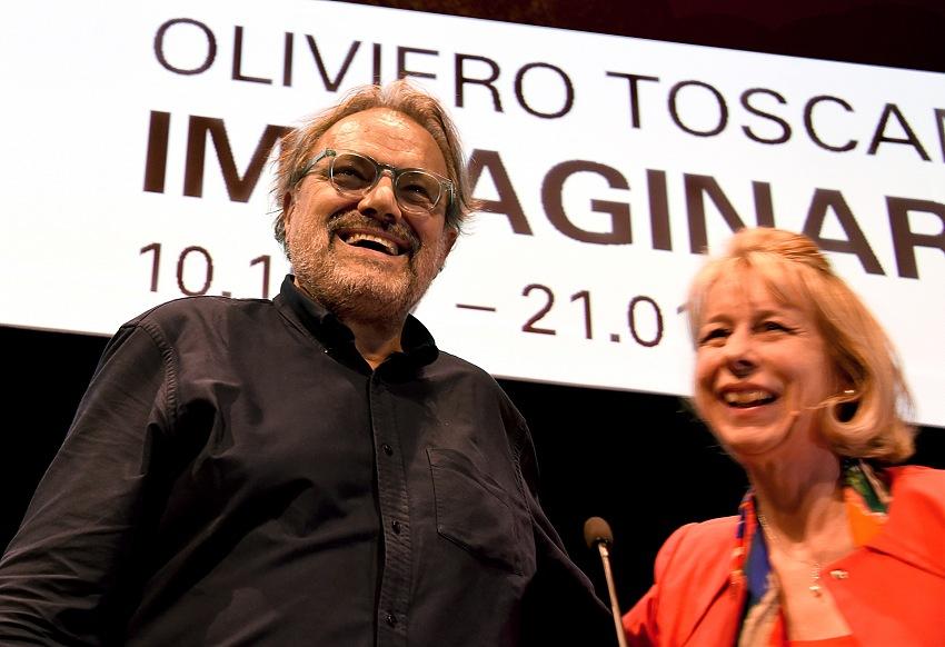 Oliviero Toscani durante la conferenza stampa che ha preceduto l'inaugurazione della mostra Oliviero Toscani. Immaginare al M.A.X. Museo di Chiasso. © Christian Righinetti.