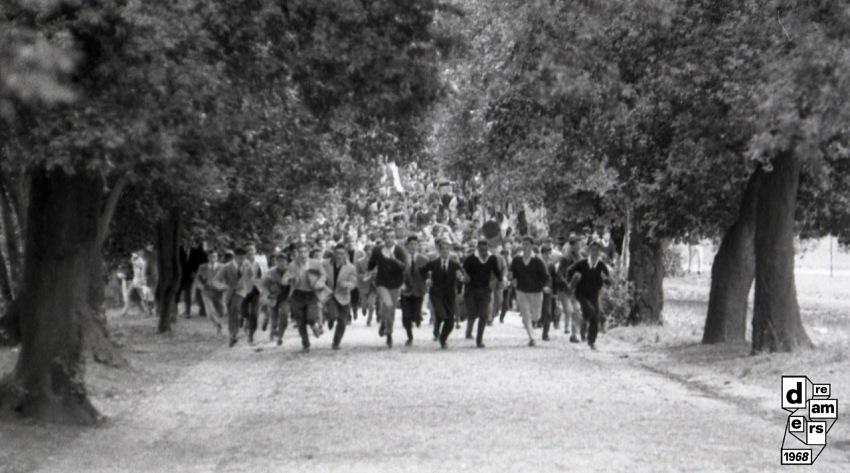 Disordini durante la Battaglia di Valle Giulia a Roma, 1 marzo 1968. © Carlo Riccardi/Archivio Carlo Riccardi.