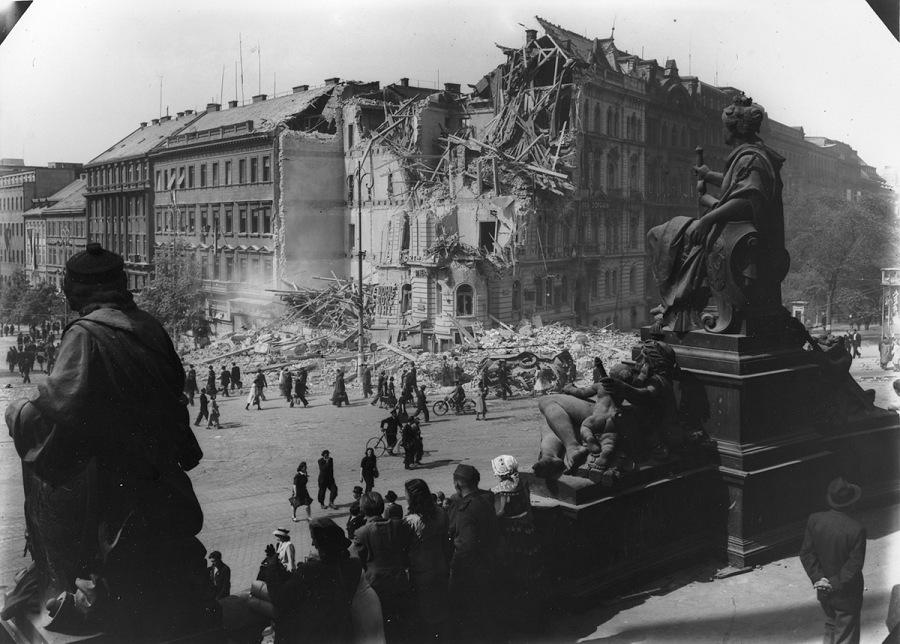 Praga, 1945: topografia delle macerie   FPmag NEWS